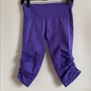 Lululemon In The Flow cropped leggings US6 Purple